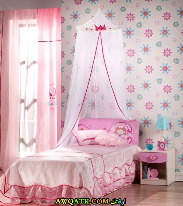 غرفة نوم صغيرة اللحجم للبنات في منتهي الروعة