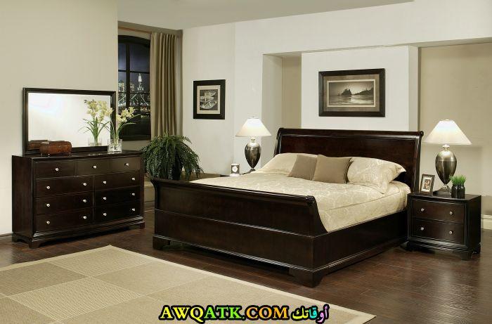 غرفة نوم رائعة وشيك للعرسان