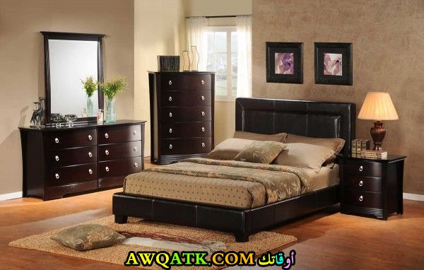 غرفة نوم صغيرة الحجم للعرسان شيك وجميلة