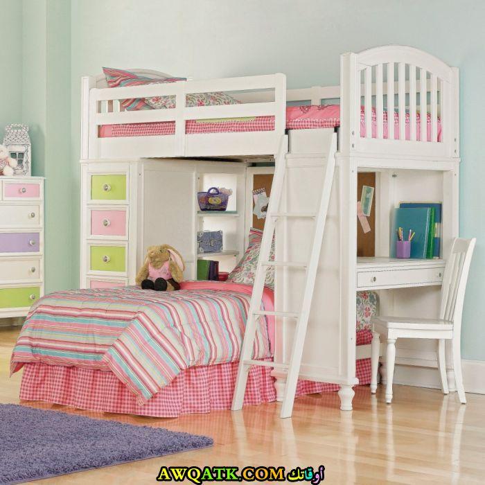 غرفة نوم جميلة وتناسب المساحة الصغيرة