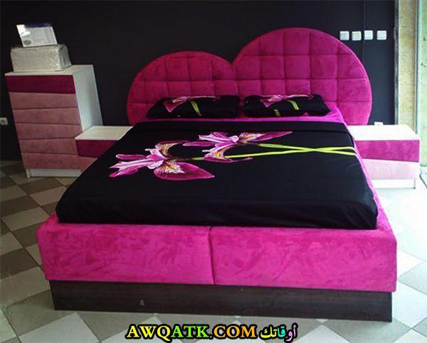 غرفة نوم علي شكل قلب في منتهي الجمال