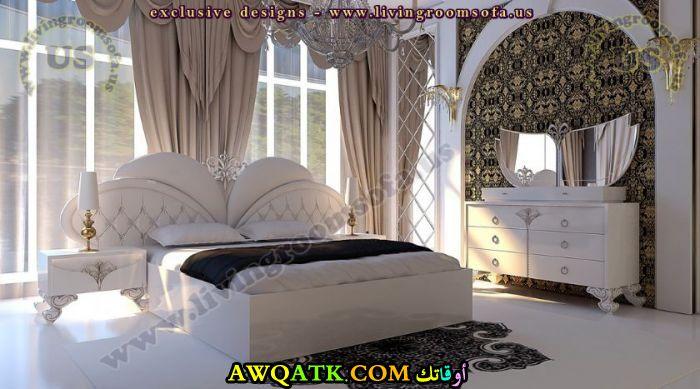 غرفة نوم علي شكل قلب جميلة ورائعة