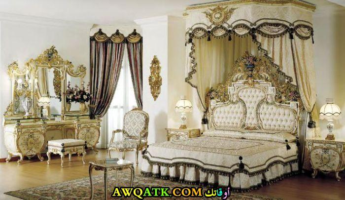 غرفة نوم رائعة للقصور