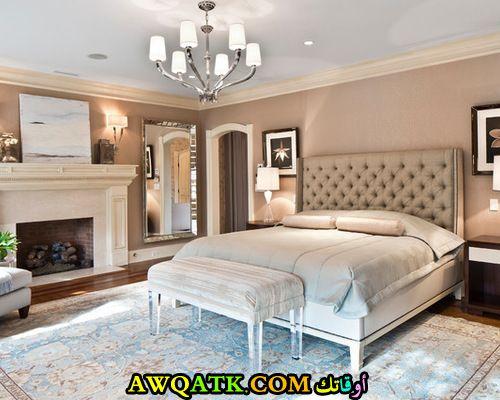 غرفة نوم فخمة وراقية