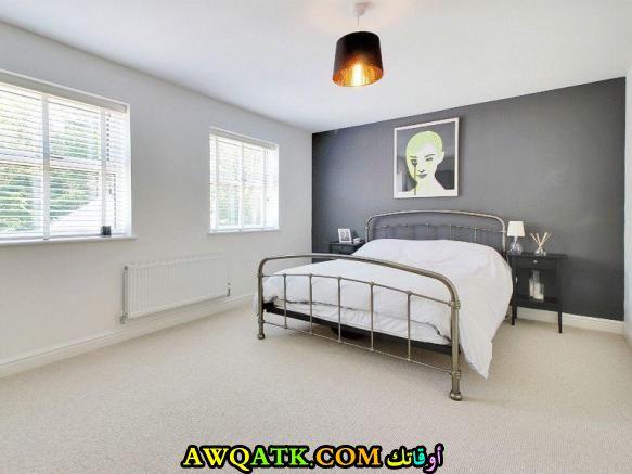 غرفة نوم جميلة جداً باللون الرمادي