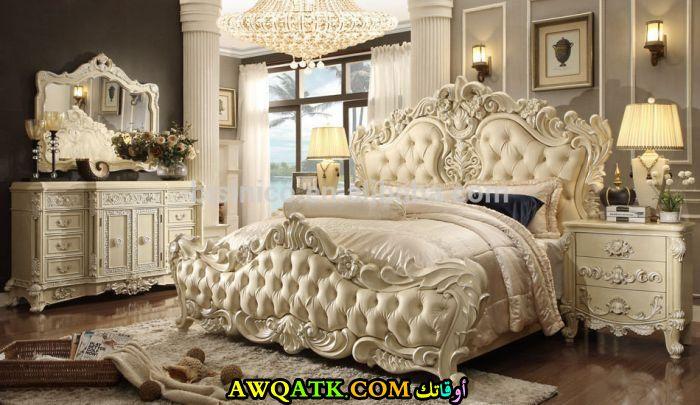 غرفة نوم كلاسيكية رائعة