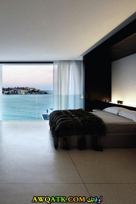غرفة نوم جميلة جداً باللون الأسود