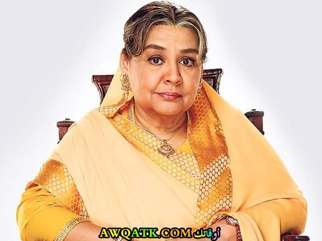أحدث صورة للفنانة الهندية فريدة جلال