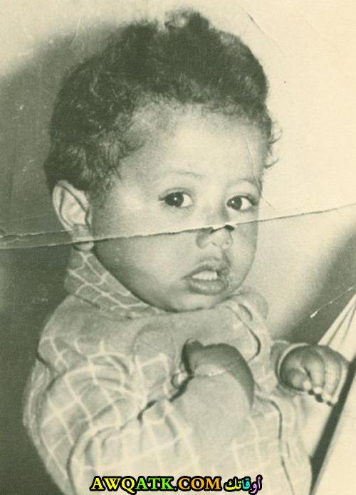 صورة قديمة للممثل ناصر القصبي وهو طفل صغير