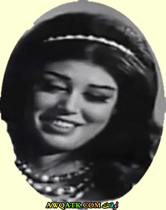 أحلى وأروع بوستر للفنانة المصرية الجميلة إلهام بديع