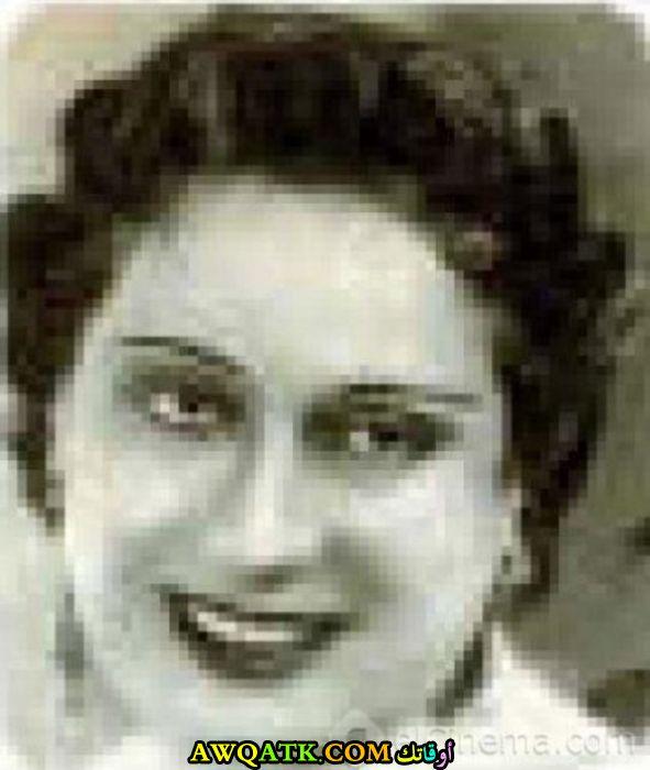 صورة قديمة للممثلة بديعة مصابني
