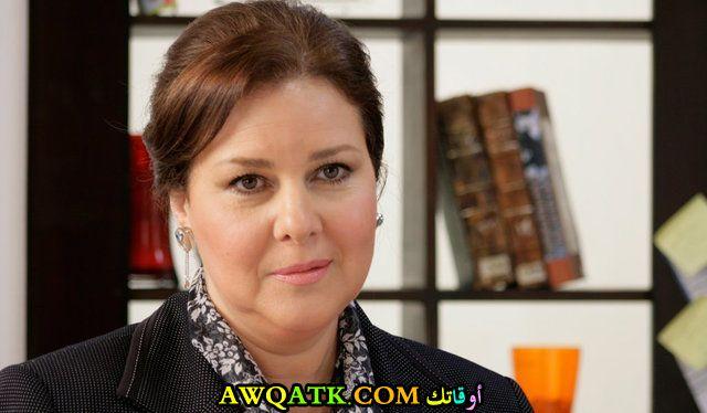 أحلى صورة للفنانة الجميلة دلال عبد العزيز