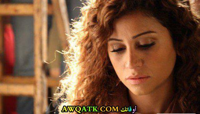 صورة الفنانة المصرية دينا الشربيني داخل عمل