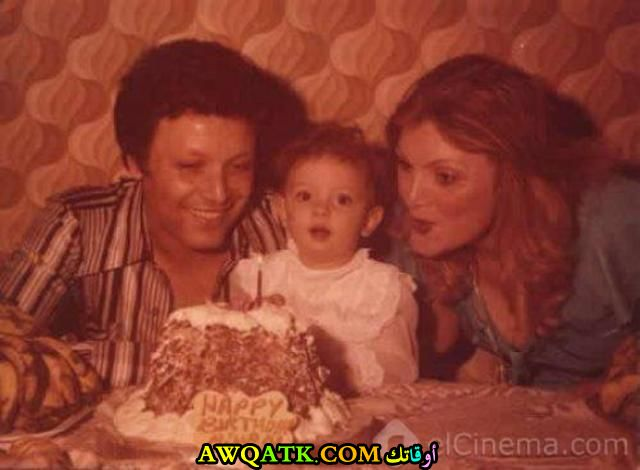 أحلى صورة للفنانة الجميلة ريهام عبد الغفور وه يصغيرة مع عائلتها والدها الفنان أشرف عبد الغفور و أمها