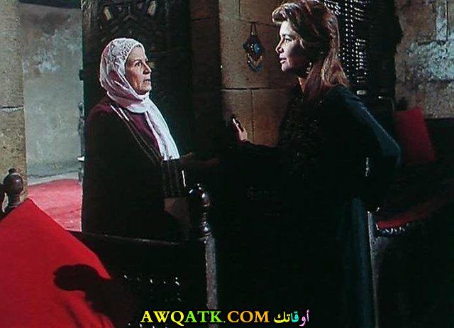 صورة الفنانة المصرية زهرة العلا داخل عمل