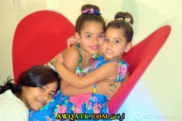 أحلى صورة للفنانة الجميلة شيرين عبد الوهاب مع بناتها
