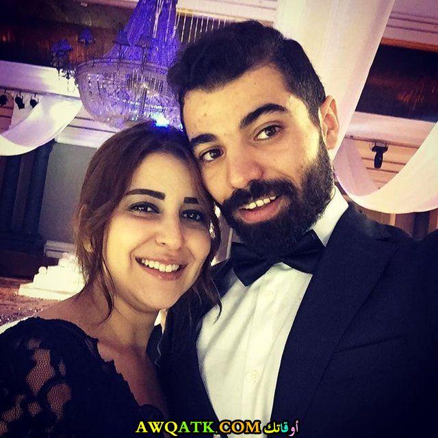 صورة روعة للفنانة علياء عساف مع زوجها