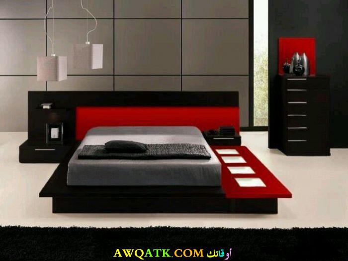 غرفة نوم باللون الأسود الأحمر شيك جداً