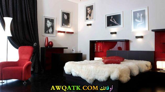 غرفة نوم أسود في أحمر رائعة