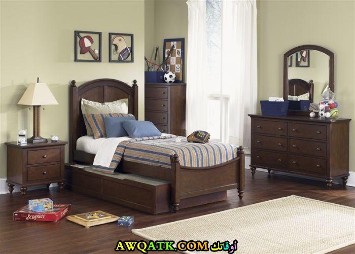 غرفة نوم أطفال خشب بني