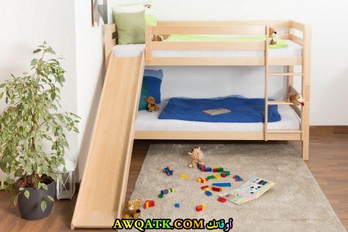 غرفة نوم خشب زان جميلة
