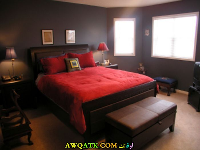 غرفة نوم باللون الأحمر شيك