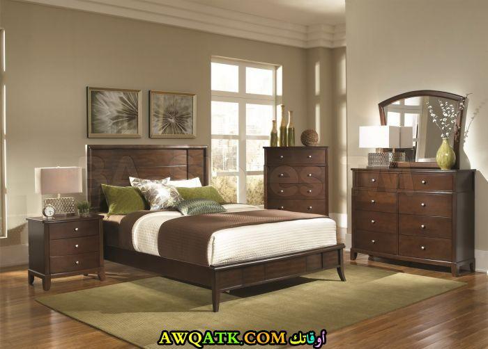 غرفة نوم بني غامق روعة