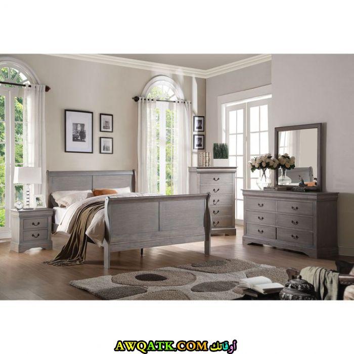 غرفة نوم باللون الرمادي جميلة وروعة