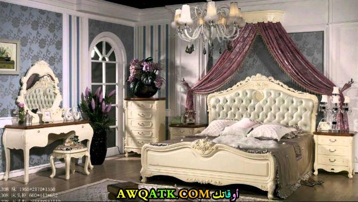 غرفة نوم جميلة جداً وروعة