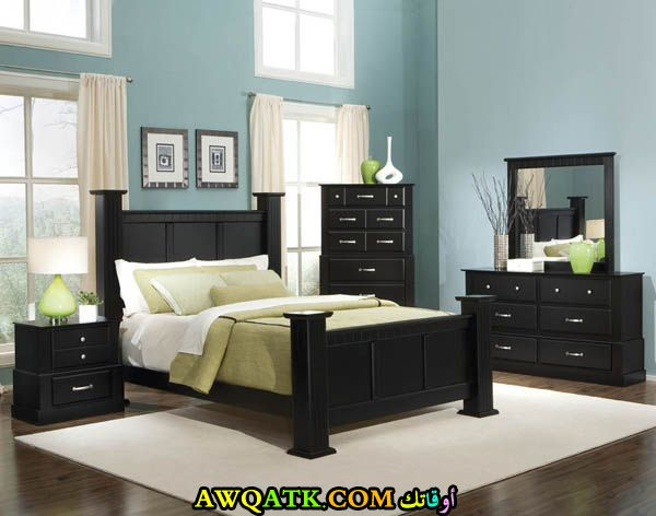 غرفة نوم كاملة باللون الأسود