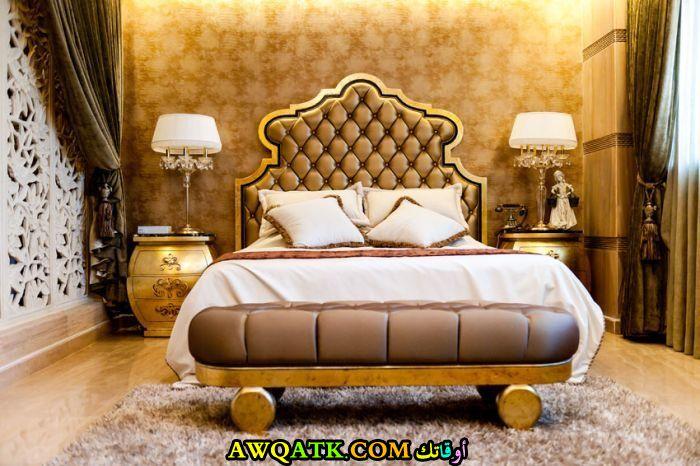 غرفة نوم قطيفة حميلة جداً