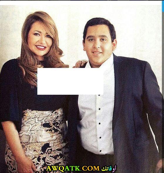 أحدث صورة للفنانة المصرية ليلى علوي مع أبنها خالد