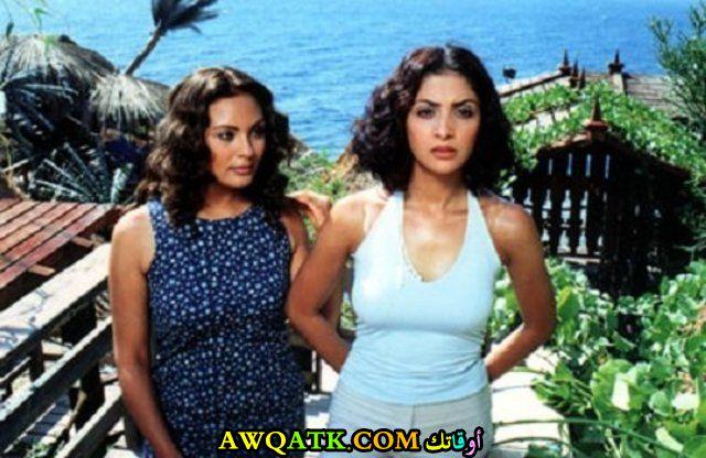 صورة قديمة للممثلة مروة حسين مع الفنانة حنان ترك