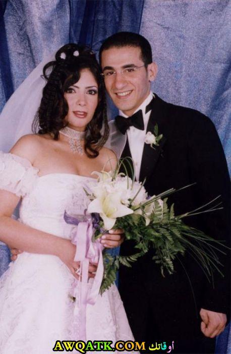 لعشاق الفنانة منى زكي صورة جميلة من حفل زفافها
