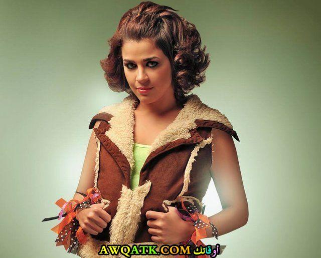 صورة جديدة للنجمة المصرية منى هلا