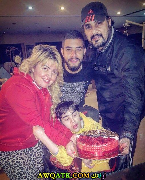 صورة عائلية للفنانة مها أحمد مع أولادها و زوجها الفنان مجدي كامل