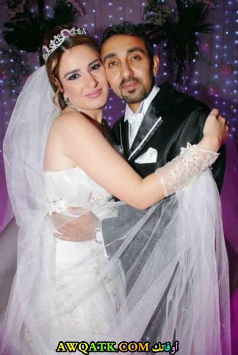 صورة الفنانة المصرية ميرنا وليد وزوجها