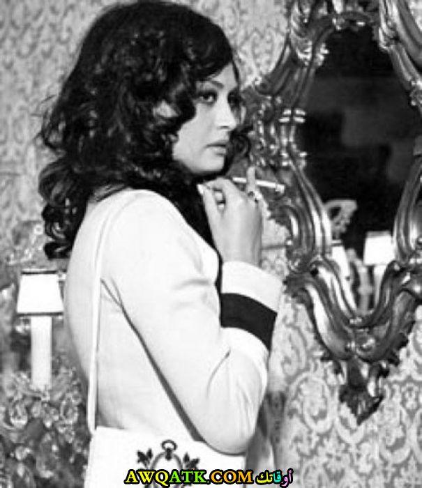 صورة أبيض و أسود للممثلة ناهد يسري