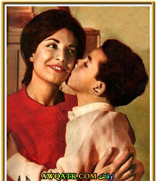 صورة عائلية للفنانة نجاة الصغيرة مع أبنها الوحيد