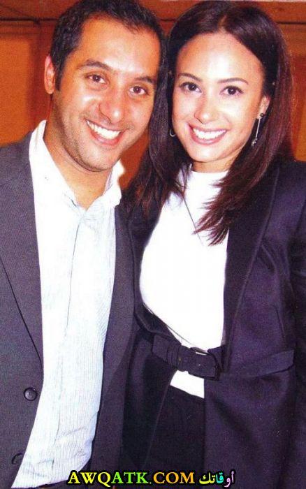 صورة عائلية للفنانة هند صبري مع زوجها