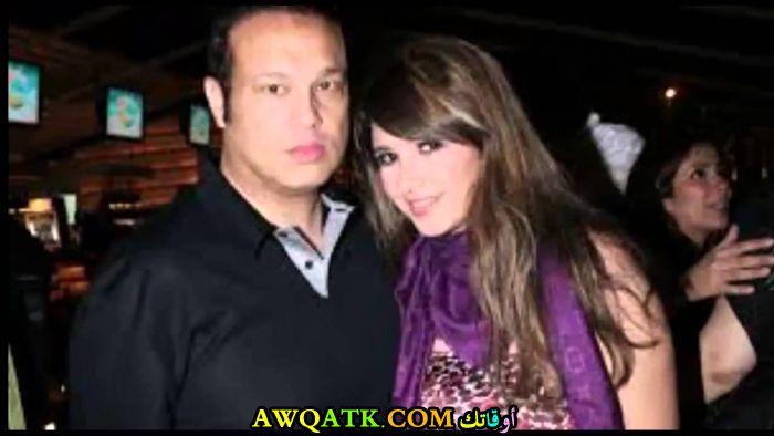 صورة الفنانة المصرية ياسمين عبد العزيز وزوجها