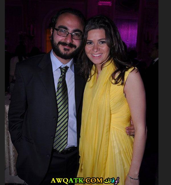 صورة الفنانة المصرية يسرا اللوزي وزوجها