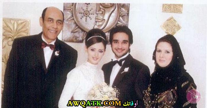 صورة للفنان أحمد بدير في حفل زفاف ابنته مع زوج بنته و زوجته