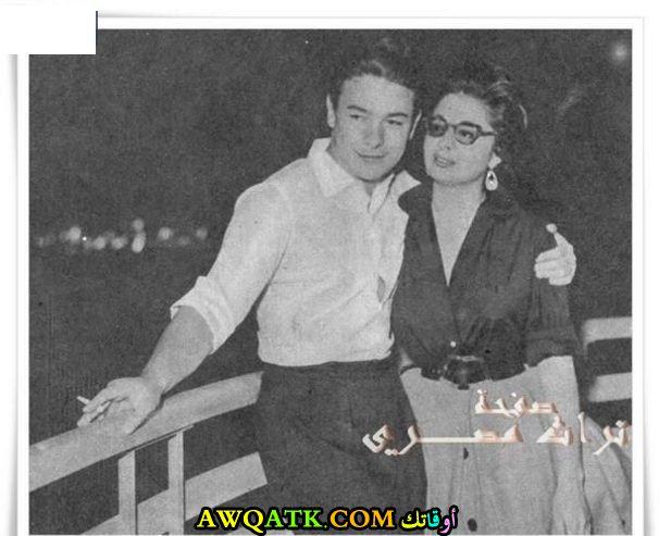 صورة عائلية للفنان أحمد رمزي مع زوجته