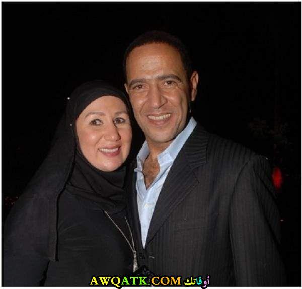 صورة عائلية للفنان أشرف عبد الباقي مع زوجته