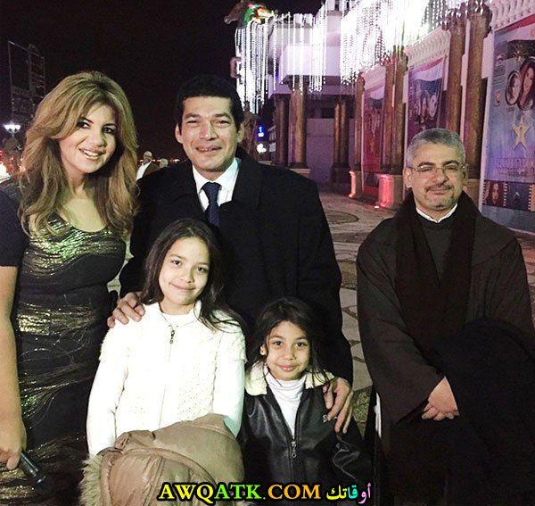صورة للفنان باسم سمرة مع بناته