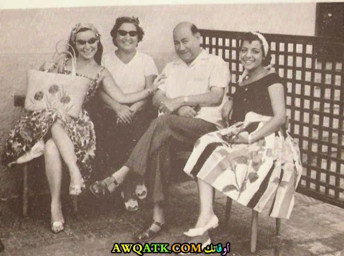 صورة عائلية للفنان حسن فايق