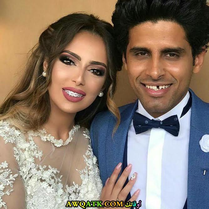 صورة عائلية للفنان حمدي الميرغني مع زوجته