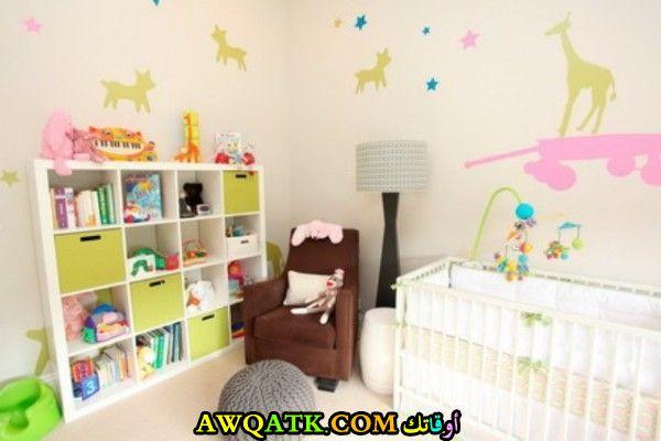 غرفة نوم أطفال حديثي الولادة شيك وروعة