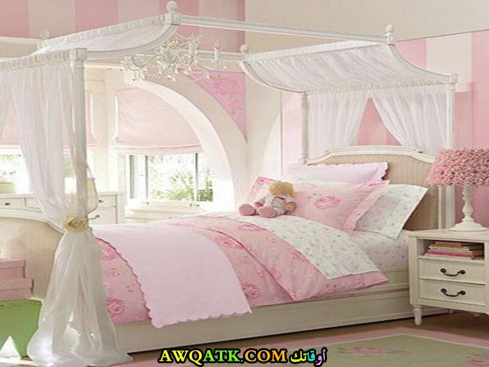غرفة نوم باللون الأبيض والبينك روعة للبنات
